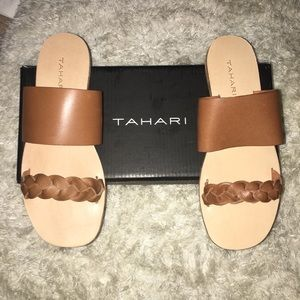 Tahari Navaih Sandals in Camel color sz 8.5